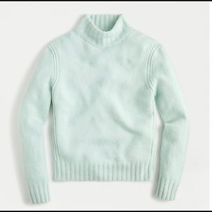 ❤️❤️Pale Green Mockneck Sweater in Super Soft Yarn